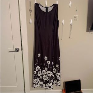 Dresses & Skirts - Long black dress with white flowers